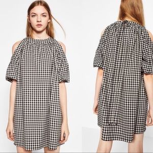 Zara gingham cold shoulder shift dress Pockets M